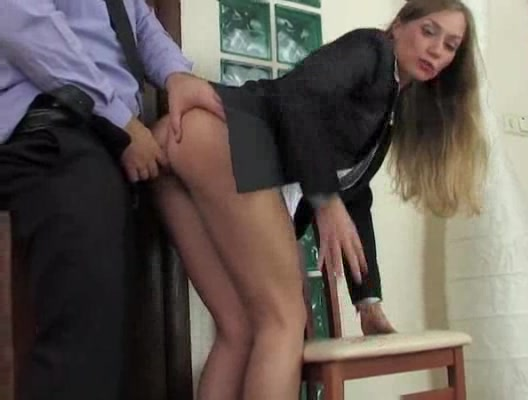 Порно на работе в жопу
