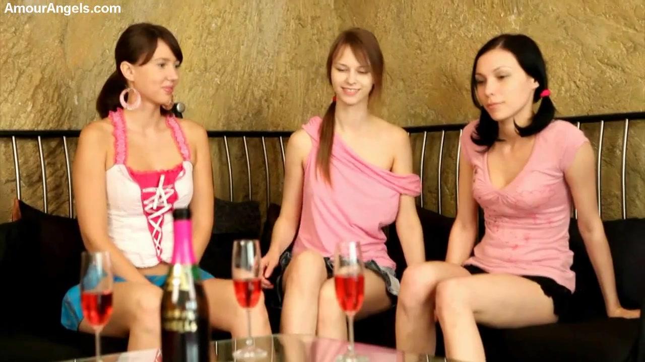 Вино раскрепощает даже скованных девчат (HD ВИДЕО). Дневник ...