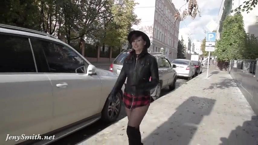Побрилась пошла гулять без трусов порно секс — pic 15