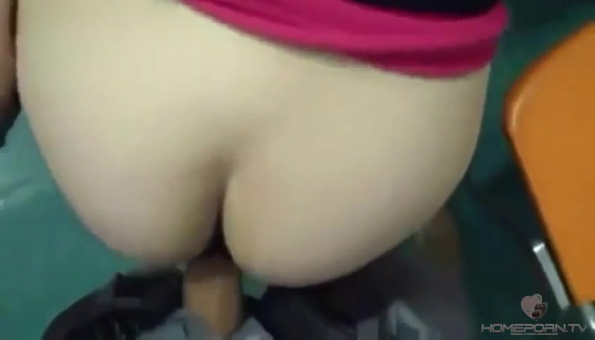 В аудитории секс