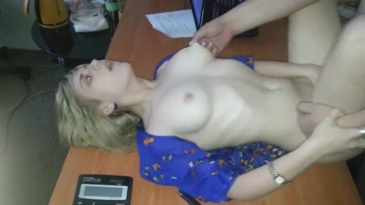 Секс видео в кабинете у шефа