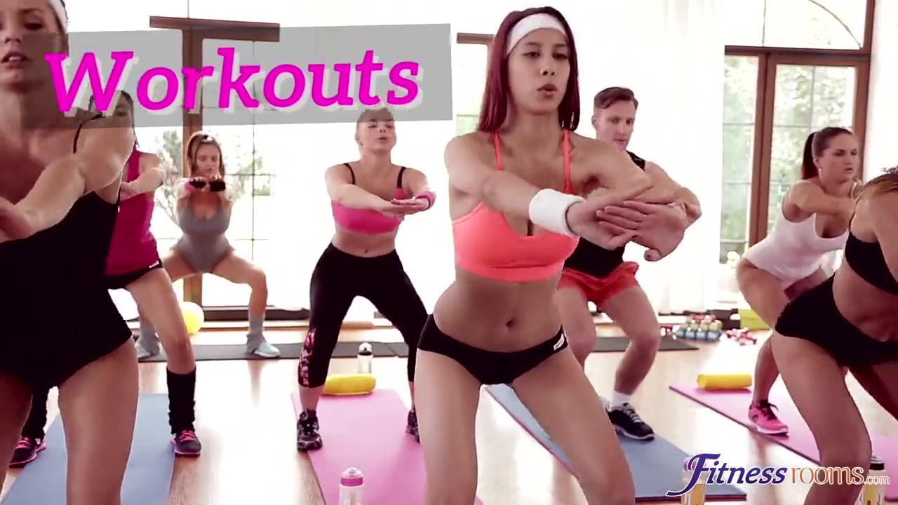 Тренировка без трусов порно